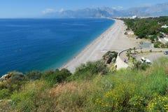 Παραλία Konyaalti σε Antalya τον Απρίλιο, Τουρκία Στοκ εικόνες με δικαίωμα ελεύθερης χρήσης