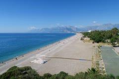 Παραλία Konyaalti σε Antalya το Μάιο, Τουρκία Στοκ Εικόνες