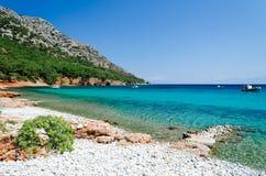 Παραλία Mourtia χαλικιών Στοκ Εικόνες