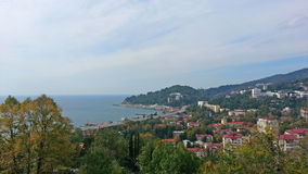Παραλία Sochi από το ύψος, πόλη και θάλασσα στοκ εικόνα με δικαίωμα ελεύθερης χρήσης