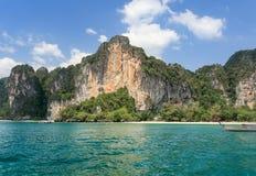 Παραλία Tonsai σε Railay κοντά στο AO Nang, Krabi Ταϊλάνδη Στοκ φωτογραφία με δικαίωμα ελεύθερης χρήσης