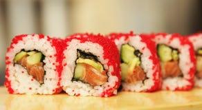 Παραδοσιακά ιαπωνικά σούσια ρόλων τροφίμων στοκ εικόνες με δικαίωμα ελεύθερης χρήσης