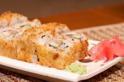 Παραδοσιακά ιαπωνικά σούσια τροφίμων. Στοκ φωτογραφία με δικαίωμα ελεύθερης χρήσης