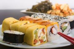 Παραδοσιακά ιαπωνικά σούσια τροφίμων Στοκ Εικόνες