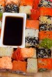 Παραδοσιακά ιαπωνικά σούσια τροφίμων Στοκ Φωτογραφία