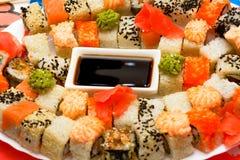 Παραδοσιακά ιαπωνικά σούσια τροφίμων Στοκ Φωτογραφίες