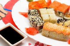 Παραδοσιακά ιαπωνικά σούσια τροφίμων Στοκ Εικόνα
