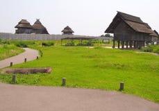 Παραδοσιακά ιαπωνικά σπίτια στο ιστορικό πάρκο Yoshinogari Στοκ φωτογραφίες με δικαίωμα ελεύθερης χρήσης