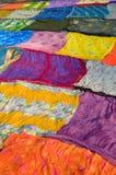 Παραδοσιακά ινδικά και ζωηρόχρωμα υφάσματα Στοκ Εικόνες