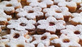 Παραδοσιακά μπισκότα Linzer Στοκ φωτογραφίες με δικαίωμα ελεύθερης χρήσης