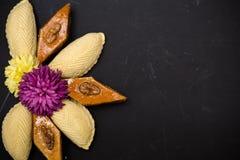 Παραδοσιακά μπισκότα Novruz στο μαύρο υπόβαθρο Στοκ φωτογραφία με δικαίωμα ελεύθερης χρήσης