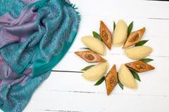 Παραδοσιακά μπισκότα Novruz στο μαύρο υπόβαθρο Στοκ Φωτογραφίες