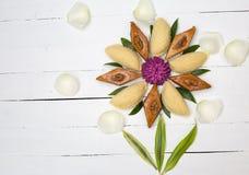 Παραδοσιακά μπισκότα Novruz στο μαύρο υπόβαθρο Στοκ φωτογραφίες με δικαίωμα ελεύθερης χρήσης