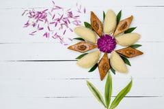 Παραδοσιακά μπισκότα Novruz στο ξύλινο υπόβαθρο Στοκ Εικόνα