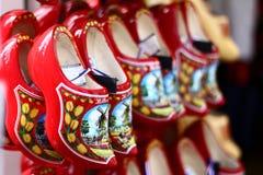 Παραδοσιακά ολλανδικά ξύλινα παπούτσια στοκ φωτογραφία
