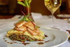 Παραδοσιακά περουβιανά ψάρια Trucha που εξυπηρετείται σε ένα εστιατόριο στοκ εικόνα με δικαίωμα ελεύθερης χρήσης