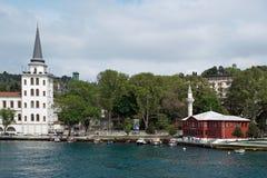 Παραδοσιακά σπίτια προκυμαιών στο Bosphorus Στοκ φωτογραφία με δικαίωμα ελεύθερης χρήσης