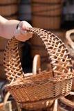 Παραδοσιακά χειροποίητα υφαμένα ψάθινα καλάθια Στοκ Εικόνα