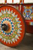 Παραδοσιακά χρωματισμένη ρόδα κάρρων βοδιών Στοκ φωτογραφίες με δικαίωμα ελεύθερης χρήσης
