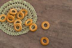 Παραδοσιακά bagels και doily δαντελλών Στοκ Εικόνες