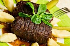 Παραδοσιακά roulades βόειου κρέατος Στοκ εικόνα με δικαίωμα ελεύθερης χρήσης