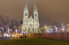 Παραδοσιακές αγορές Χριστουγέννων στο τετράγωνο ειρήνης μπροστά από την εκκλησία Αγίου Ludmila Στοκ φωτογραφίες με δικαίωμα ελεύθερης χρήσης