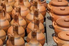 Παραδοσιακές της Γεωργίας κανάτες αργίλου για την πώληση στο χωριό Shrosh Στοκ φωτογραφίες με δικαίωμα ελεύθερης χρήσης