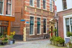 Παραδοσιακή άποψη σπιτιών στο Λάιντεν, Κάτω Χώρες Στοκ Φωτογραφίες