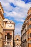 Παραδοσιακή αρχιτεκτονική κοντά σε Ponte Sant Angelo στη Ρώμη Στοκ Φωτογραφίες