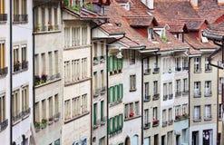 Παραδοσιακή αρχιτεκτονική στην παλαιά πόλη της Βέρνης, Ελβετία Στοκ εικόνα με δικαίωμα ελεύθερης χρήσης