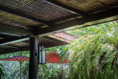 Παραδοσιακή αρχιτεκτονική της στέγης μπαμπού στοκ φωτογραφία