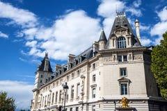 Παραδοσιακή αρχιτεκτονική των κατοικημένων κτηρίων Γαλλία Παρίσι Στοκ Εικόνα