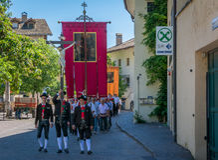 Παραδοσιακή θρησκευτική πομπή για να γιορτάσει τις περιοχές σωμάτων Στοκ Εικόνα