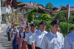 Παραδοσιακή θρησκευτική πομπή για να γιορτάσει τις περιοχές σωμάτων Στοκ φωτογραφία με δικαίωμα ελεύθερης χρήσης