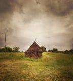 Παραδοσιακή θυμωνιά χόρτου με τη διαμορφωμένη σύσταση Στοκ εικόνες με δικαίωμα ελεύθερης χρήσης