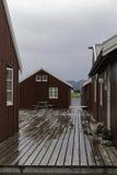 Παραδοσιακή κόκκινη καλύβα αλιείας rorbu Στοκ εικόνα με δικαίωμα ελεύθερης χρήσης