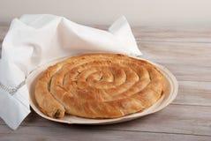 Παραδοσιακή μεσογειακή πίτα, με το σπανάκι και το τυρί Στοκ εικόνα με δικαίωμα ελεύθερης χρήσης