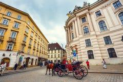 Παραδοσιακή ντεμοντέ μεταφορά στο παλάτι Hofburg στη Βιέννη, Αυστρία Στοκ Φωτογραφία