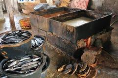 Παραδοσιακή παραγωγή δεξαμενών σάλτσας ψαριών Στοκ εικόνες με δικαίωμα ελεύθερης χρήσης