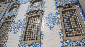 Παραδοσιακή πορτογαλική επικεράμωση σε μια εκκλησία στο Πόρτο στοκ φωτογραφίες