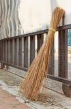 Παραδοσιακή σκούπα attap Στοκ φωτογραφίες με δικαίωμα ελεύθερης χρήσης