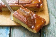 Παραδοσιακή σπιτική πίτα καραμέλας μπανανών Γαλλικό ξινό tatin Στοκ Εικόνες