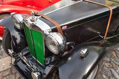 παραδοσιακή συνεδρίαση των ανεμιστήρων των εκλεκτής ποιότητας αυτοκινήτων και των μοτοσικλετών Στοκ Φωτογραφία