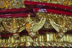 Παραδοσιακή ταϊλανδική τέχνη με το ζωηρόχρωμο γυαλί, Ταϊλάνδη Στοκ Εικόνες