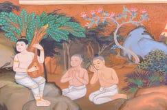 Παραδοσιακή ταϊλανδική τοιχογραφία που χρωματίζει τη ζωή του Βούδα και την ταϊλανδική ζωή Στοκ φωτογραφία με δικαίωμα ελεύθερης χρήσης