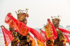 Παραδοσιακοί ινδονησιακοί χορευτές στην παραλία Merah, Banyuwangi Στοκ εικόνες με δικαίωμα ελεύθερης χρήσης