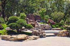 Παραδοσιακός ιαπωνικός κήπος στο πάρκο του Κιότο KyivKiev Ουκρανία Στοκ Εικόνες