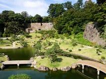 Παραδοσιακός ιαπωνικός κήπος τοπίων λόγω του κάστρου Kanazawa Στοκ φωτογραφία με δικαίωμα ελεύθερης χρήσης