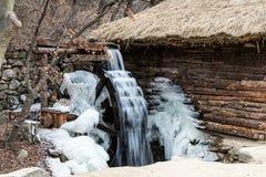 Παραδοσιακός μύλος αλευριού νερού της Κορέας Στοκ φωτογραφία με δικαίωμα ελεύθερης χρήσης