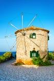 Παραδοσιακός παλαιός καλός ανεμόμυλος πετρών στο νησί της Ζάκυνθου Στοκ εικόνες με δικαίωμα ελεύθερης χρήσης